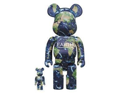 Be@rbrick Earth 100% & 400%の写真