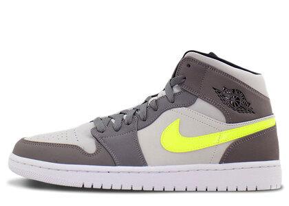 Nike Air Jordan 1 Mid Gunsmoke/Volt-Neutral Grey-Whiteの写真