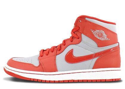 Nike Air Jordan 1 Retoro High Wolf Grey/Spice White の写真