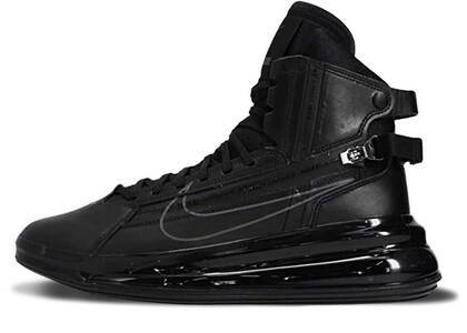 Nike Air Max 720 Saturn Black/Dark Greyの写真