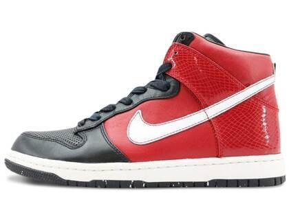 Nike Dunk High Supreme Varsity Redの写真