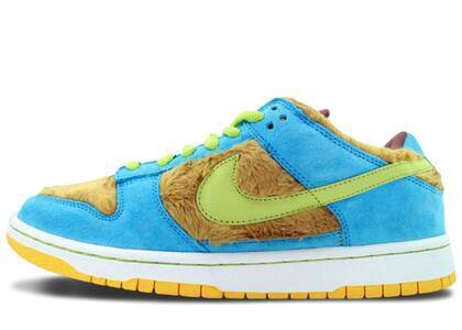 Nike Dunk SB Low Baby Bearの写真