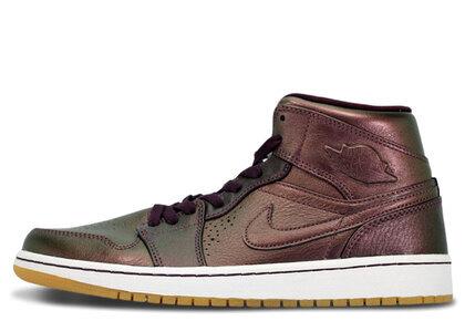 Nike Air Jordan 1 Mid Nouveau Deep Burgundy Gumの写真