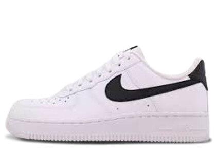 Nike Air Force 1 07 White Black Womensの写真