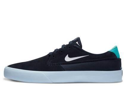 Nike SB Shan T Black Whiteの写真