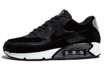 Air Max 90 Rebel Skullsの写真