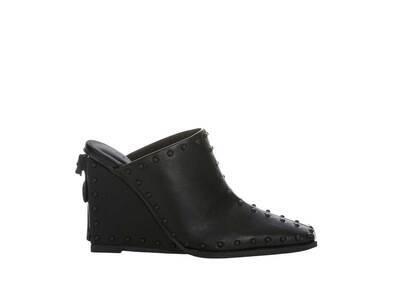 YELLO Lailah Sabot Heels Blackの写真