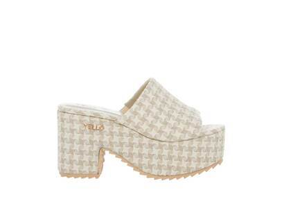 YELLO Ecru Platform Sandals Whiteの写真