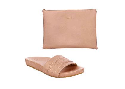 YELLO Barefoot Sliders Pinkの写真