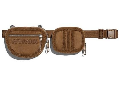 adidas Ivy Park Sherpa Belt Bag Wild Brown (SS21)の写真