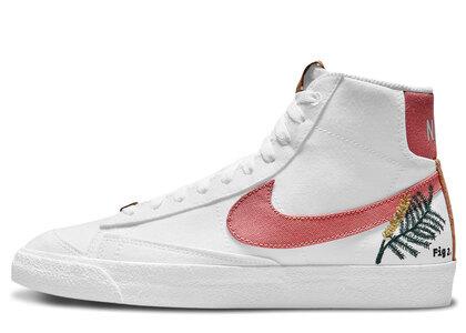 Nike Blazer Mid 77 SE Womensの写真