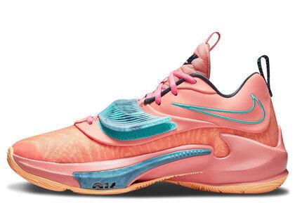 Nike Zoom Freak 3 Crimson Blissの写真