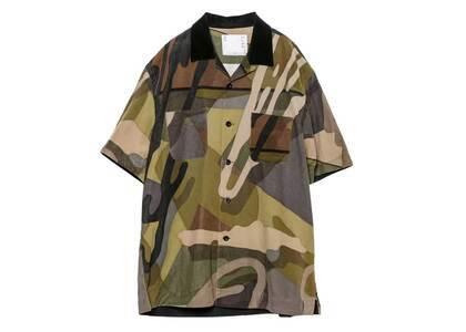 KAWS x Sacai Camo Button Shirt Greenの写真