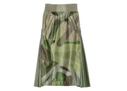 KAWS x Sacai Womens Camo Skirt Greenの写真