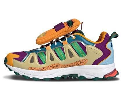 Sean Wotherspoon × Disney × adidas Superturf Adventure Jiminy Cricketの写真