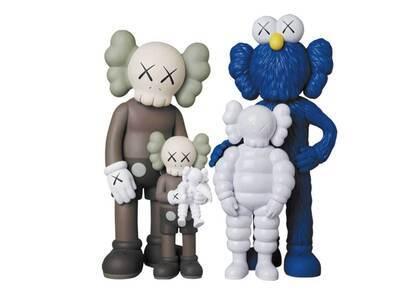 KAWS × Medicom Toy #1 Family Brown/Blue/Whiteの写真