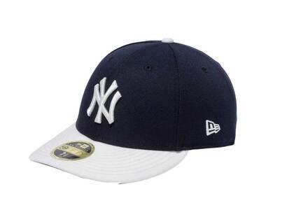 New Era LP 59Fifty New York Yankees MLB 2 Tone Chrome Gray Under Visor Navyの写真