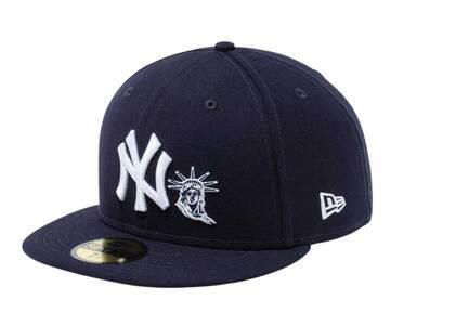 New Era 59Fifty New York Yankees Statue of Liberty Navyの写真
