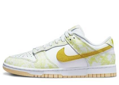 Nike Dunk Low Yellow Strike Womensの写真