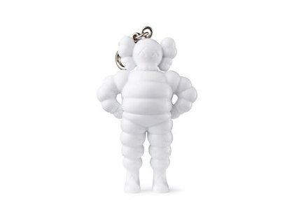 KAWS × Medicom Toy Chum Keyholder Whiteの写真