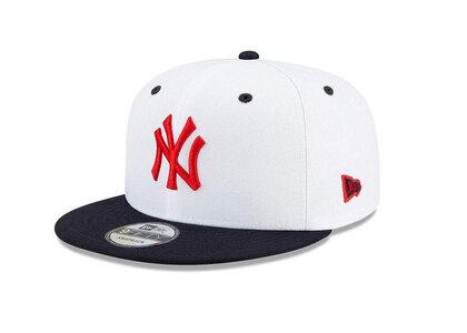 New Era 9FIFTY Americana New York Yankees White Navy Visorの写真