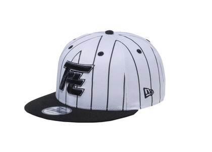 New Era 9Fifty Rookies Ft Logo Black Visor White/Black Pin Stripeの写真