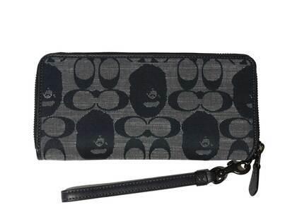 Coach × Bape Phone Wallet Navy (SS21)の写真