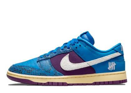 Undefeated × Nike Dunk Low SP Royalの写真