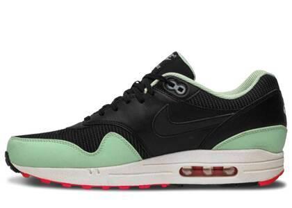 Nike Air Max 1 FB Yeezyの写真
