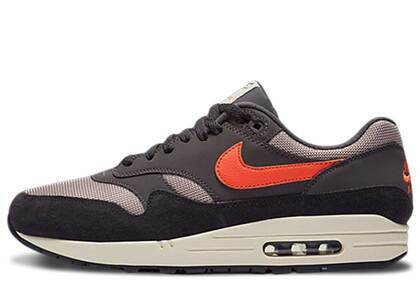 Nike Air Max 1 Oil Grey Wild Mangoの写真