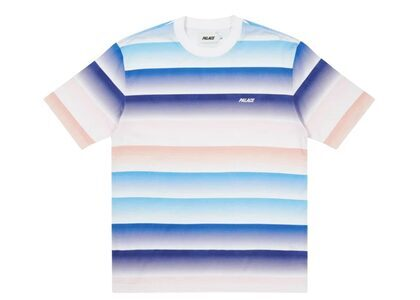 Palace Catch The Fade T-Shirt Blue/Peach FW21の写真