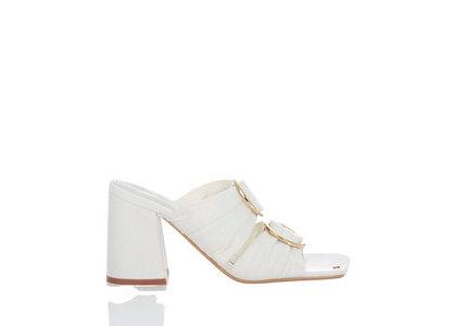 YELLO Day Dream Sandals Whiteの写真