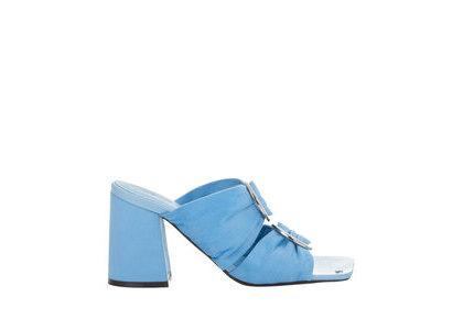 YELLO Sky Lover Sandals Light Blueの写真