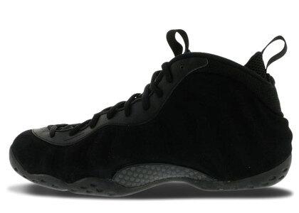 Nike Air Foamposite One Black Suedeの写真