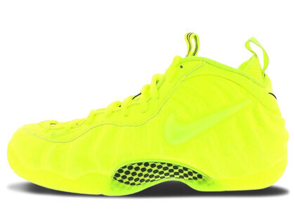 Nike Air Foamposite Pro Voltの写真