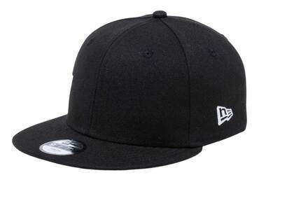 New Era Youth 9FIFTY Essential Black/Snow Whiteの写真