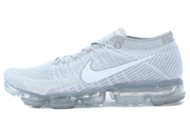 Air VaporMax Pure Platinumの写真