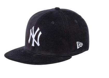 New Era Youth 9FIFTY New York Yankees Micro Corduroy Blackの写真