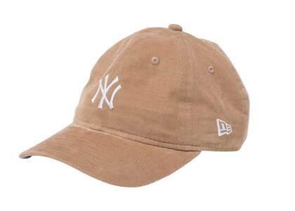 New Era Youth 9TWENTY New York Yankees Micro Corduroy Beigeの写真