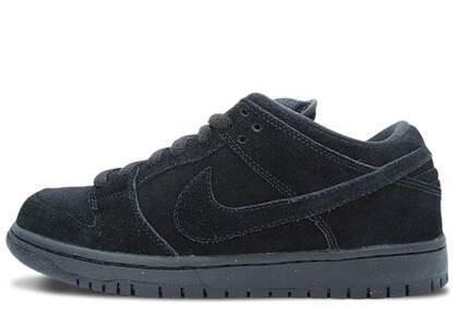 Nike SB Dunk Low Blackoutの写真