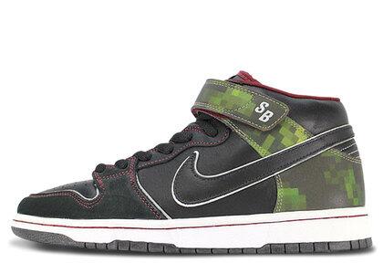 Nike SB Dunk Mid Nitraidの写真