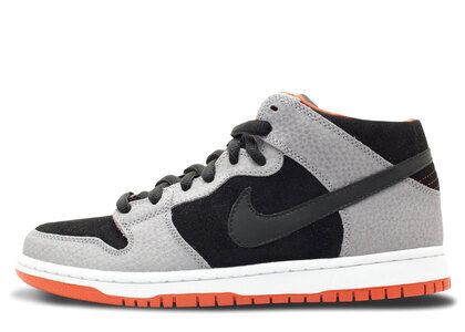 Nike SB Dunk Mid Un-Supremeの写真
