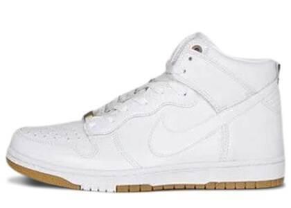 Nike Dunk CMFT White Gumの写真