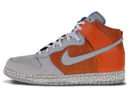 Nike Dunk High Earthquake Dark Orangeの写真