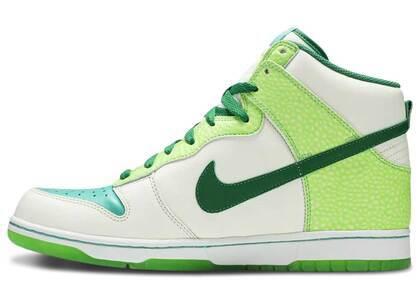 Nike Dunk High Glow-In-The-Dark 2の写真