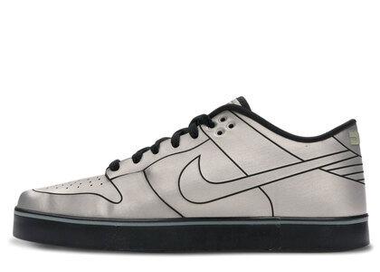 Nike Dunk Low 6.0 SE Delorean DMC-12の写真