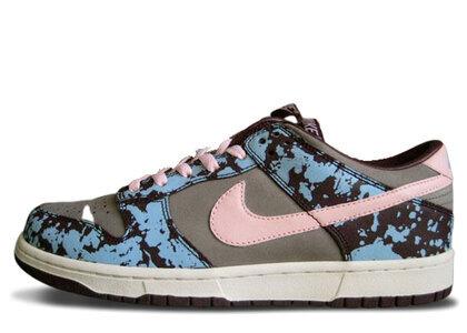 Nike Dunk Low Undefeated Splatterの写真