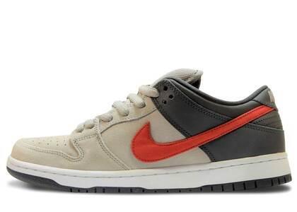 Nike Dunk SB Low Medium Grey Redの写真