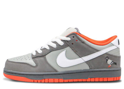 Nike Dunk SB Low Staple NYC Pigeonの写真