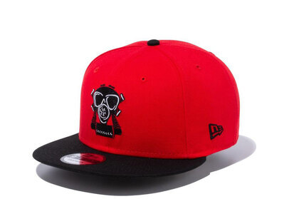 New Era 9FIFTY COMPOUND Gas Mask NBA Chicago Bulls Red Black Visorの写真